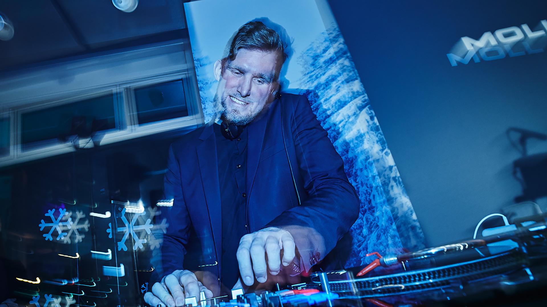 DJ-Neils-plus-Live-Acts-Eventband-Eventact-Online-Live-2021-02